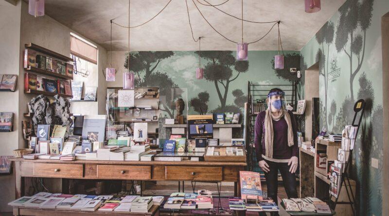 La nuova libreria Borgopo' festeggia il compleanno con una mostra