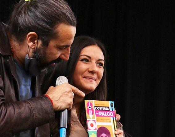 """""""L'OSTERIA DEL PALCO"""" il libro di FRANCESCA AMODIO sui 25 anni del MEI con prefazione di OMAR PEDRINI"""