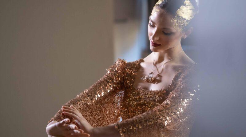 """Eleonora Lastrucci, dedica la nuova collezione alle preziosità  di Prato: """"Un ballo in Foglia d'Oro"""""""
