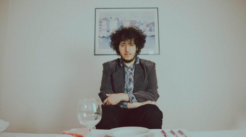 """""""CONSUMATI"""" è il nuovo singolo di NICOLÒ CARNESI"""