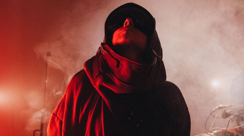 INTO THE SOUND è il nuovo singolo e videoclip di THE.KID